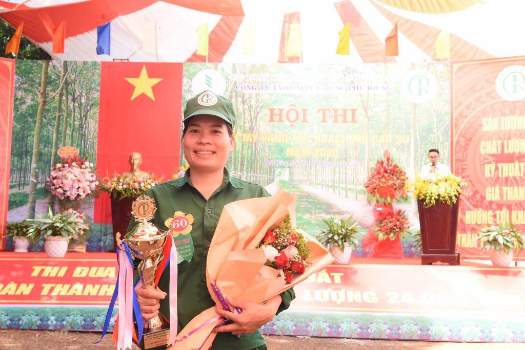 Bàn tay vàng Cao su Phú Riềng: Lê Thị Thương tiếp tục đăng quang
