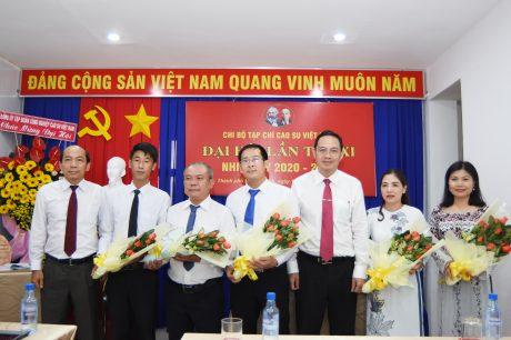 Đồng chí Trần Văn Hậu giữ chức Bí thư Chi bộ Tạp chí Cao su VN