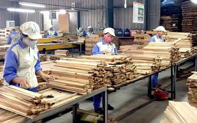 Doanh nghiệp gỗ có đơn hàng xuất khẩu dài hơi