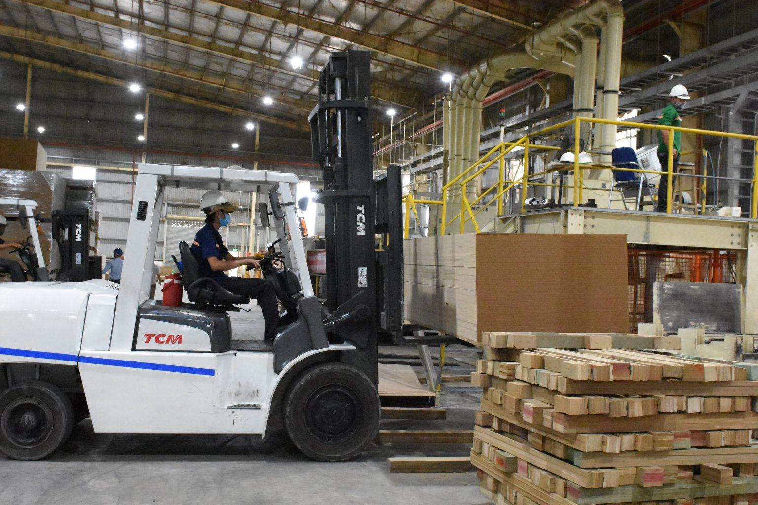 MDF VRG Kiên Giang nỗ lực duy trì sản xuất kinh doanh liên tục, không bị gián đoạn do COVID – 19