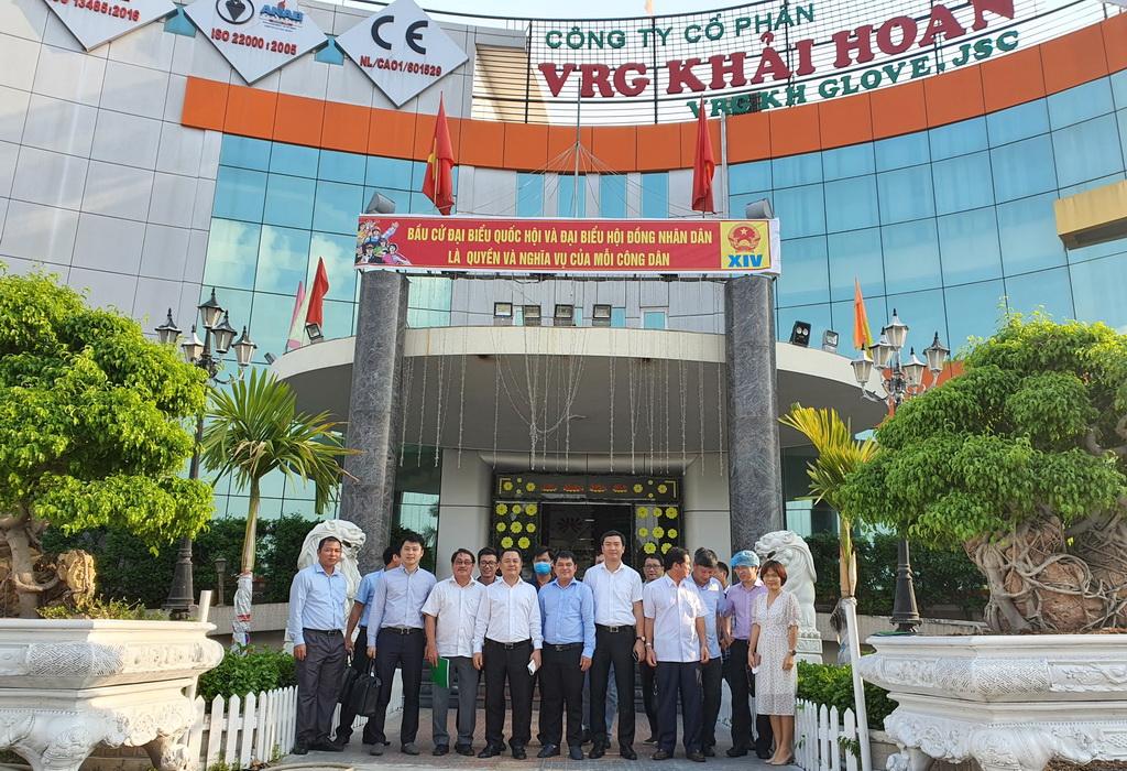 Phó Chủ tịch Nguyễn Ngọc Cảnh làm việc tại Công ty cổ phần VRG Khải Hoàn