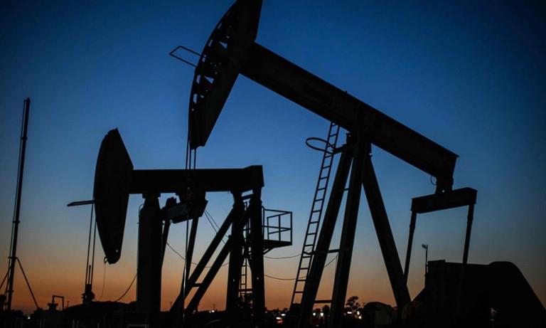 Giá xăng dầu hôm nay 1/2: Tiếp tục giảm trong phiên giao dịch đầu tuần