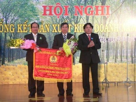 Công đoàn Cao su Phú Riềng đồng hành cùng doanh nghiệp chăm lo người lao động
