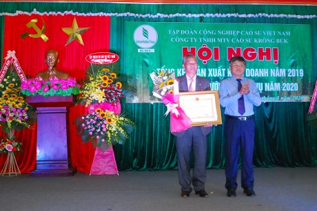 Cao su Krông Búk: Chế biến sản phẩm theo tiêu chuẩn VRG đạt 168%