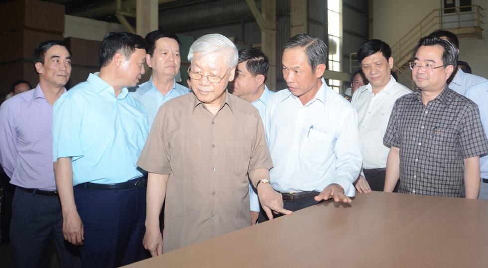 Tổng Bí thư – Chủ tịch nước thăm và làm việc tại Công ty CP Gỗ MDF VRG Kiên Giang