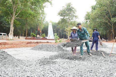 Khẩn trương hoàn thành tôn tạo khu di tích Phú Riềng Đỏ