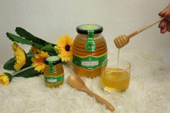 CTCP cao su Sơn La hỗ trợ cán bộ công nhân nuôi ong mật trong rừng cao su, phát triển thương hiệu mật ong RUBBER HONEY SLR