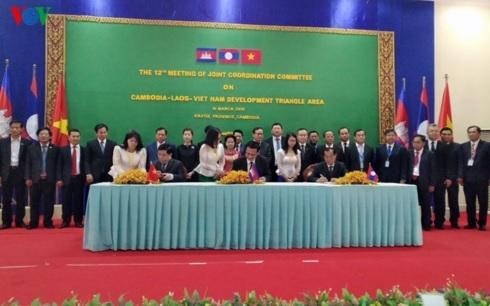 Bộ trưởng ba nước Việt Nam-Lào-Campuchia ký kết hợp tác